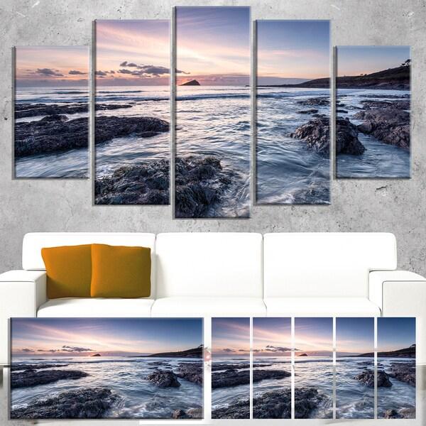 Designart 'Rocky Wembury Beach Sunset' Large Seashore Canvas Artwork Print
