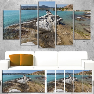 Designart 'Clean Waters and Rock Formations' Landscape Wall Art Print Canvas