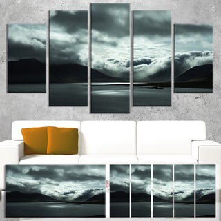 Designart 'Stormy Iceland in the Summer' Seashore Art Print on Canvas