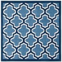 Safavieh Amherst Indoor/ Outdoor Light Blue/ Navy Rug (5' Square)