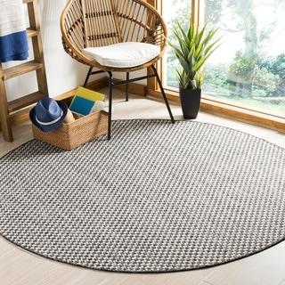 Safavieh Indoor/ Outdoor Courtyard Black/ Light Grey Rug (7' Round)