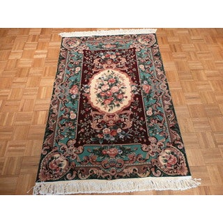 Oriental Burgundy Wool Hand-knotted Aubusson Rug (4' x 6')