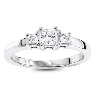 Luxurman 14k Gold 5/8ct TDW Three Stone Diamond Engagement Ring (H-I, SI1-SI2)