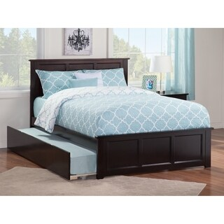 Madison Full Platform Bed with Matching Foot Board with Twin Size Urban Trundle Bed in Espresso