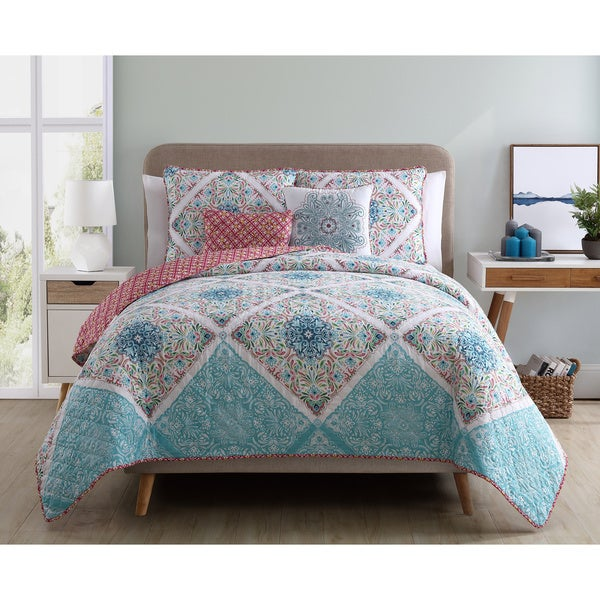 VCNY Windsor Reversible Quilt Set