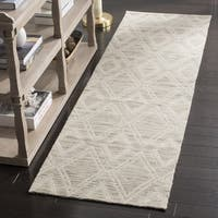 Safavieh Marbella Handmade Vintage Diamond Light Brown/ Ivory Wool Runner Rug