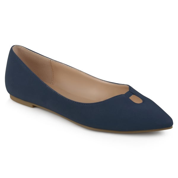 Journee Collection Women's 'Hildy' Classic Pointed Toe Flats