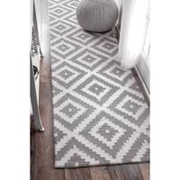 nuLOOM Handmade Abstract Wool Fancy Pixel Trellis Runner Rug (2'6 x 12')