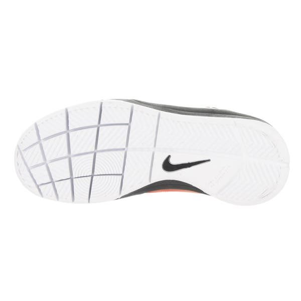 Nike Kids Team Hustle D 7 Low Black//White Basketball Shoe 5 GS