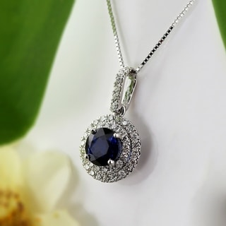 Auriya 14k Gold 2ct Blue Sapphire and 3/5ct TDW Diamond Halo Necklace (H-I, SI1-SI2)