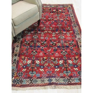 Hand-knotted Wool Red Traditional Oriental Lori Rug (4'3 x 6'6)