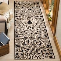 Safavieh Courtyard Optic Black/ Beige Indoor/ Outdoor Runner Rug - 2' 3 x 8'