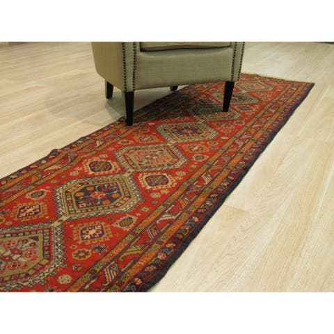Hand-knotted Wool Rust Traditional Oriental Shirvan Rug (2'7 x 9'5) - 3' x 9'