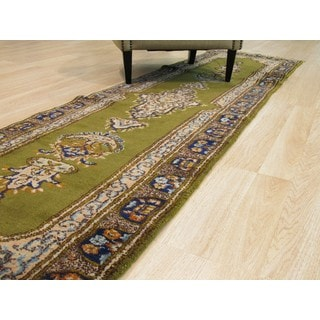Hand-knotted Wool Green Traditional Oriental Kerman Rug (2'7 x 9'10)