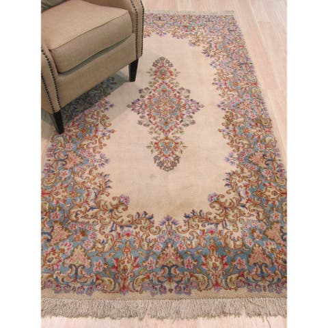 Hand-knotted Wool Ivory Traditional Oriental Kerman Rug (3'11 x 7'1) - 4' x 7'