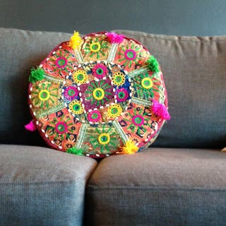 "Artist's Loom Traditional Indian Pouf (16x16""x4) (Set of 3)