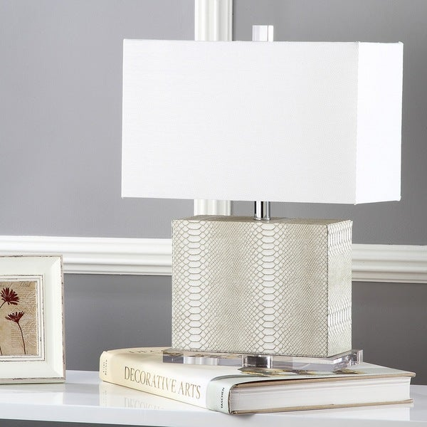 Safavieh Lighting 20.5-inch Delia Faux Snakeskin Cream Table Lamp