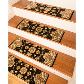 "Handcrafted Sherwood Carpet Black Stair Treads (9"" x 29"") (Set of 13)"