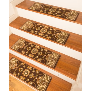 "Handcrafted Sherwood Carpet Chocolate Stair Treads (9"" x 29"") (Set of 13)"
