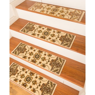 "Handcrafted Sherwood Carpet Cream Stair Treads (9"" x 29"") (Set of 13)"