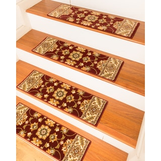 "Handcrafted Sherwood Carpet Red Stair Treads (9"" x 29"") (Set of 13)"