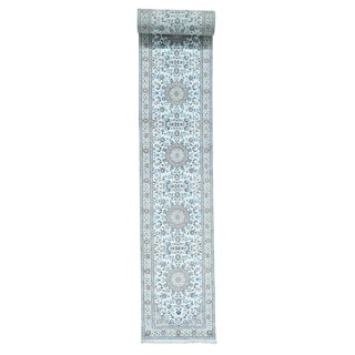 """Hand-Knotted Wool and Silk 250 Kpsi Nain Oriental Runner Rug (2'5""""x20')"""