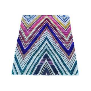 Sari-Silk With Chevron Design Hand-Knotted Rug (2'1x3'2)