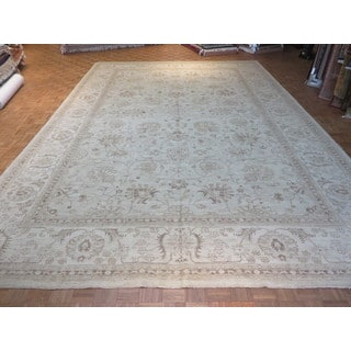 Peshawar Oriental Beige Wool Hand-knotted Area Rug (12'9 x 18'3)