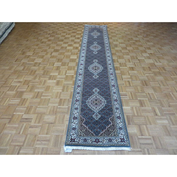 Light Blue Wool and Silk Hand-knotted Mahi Tabriz Oriental Rug (2'6 x 13'8)