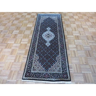 Mahi Tabriz Oriental Ivory/Blue/Red/Black/Green/Brown Wool and Silk Hand-knotted Rug (2'7 x 6'8)