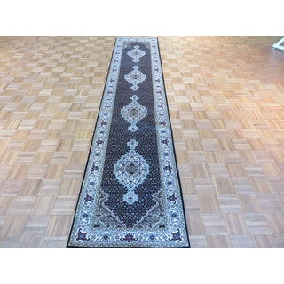 Black Wool and Silk Hand-knotted Mahi Tabriz Oriental Rug (2'7 x 12)