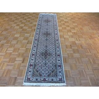 Mahi Tabriz Oriental Ivory Wool and Silk Hand-knotted Runner Rug (2'7 x 9'11)