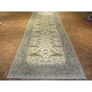 Oushak Ivory Wool Hand-knotted Oriental Rug (6'1 x 17'6)