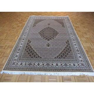 Mahi Tabriz Oriental Ivory Wool/Silk Hand-knotted Rug (6'8 x 9'11)