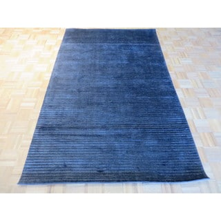 Black Viscose from Bamboo Silk Hand-knotted Oriental Rug (5' x 8'1)