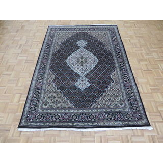 Mahi Tabriz Black Wool/Silk Hand-knotted Oriental Rug (5'7 x 8')