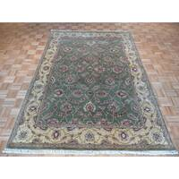 Agra Sage Green Wool Hand-knotted Oriental Rug - 6' x 8'11