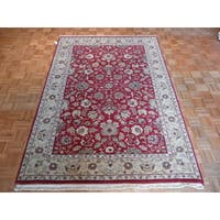 Agra Burgundy Wool Hand-knotted Oriental Rug (6'3 x 9')