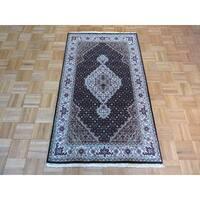 Black Wool and Silk Hand-knotted Mahi Tabriz Oriental Rug (3 x 5'1)
