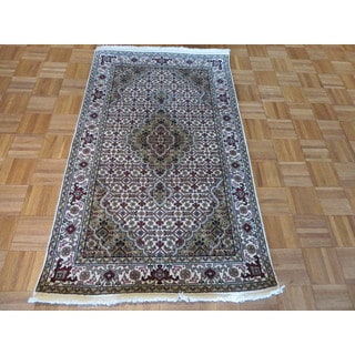 Mahi Tabriz Oriental Ivory Wool and Silk Hand-knotted Area Rug (3'1 x 5')