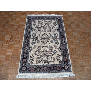 Kashan Oriental Ivory/Blue/Red/Green/Beige Wool Hand-knotted Rug (4' x 6'4)
