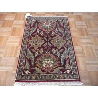 Oriental Burgundy Wool Hand-knotted Agra Rug (2' x 3')