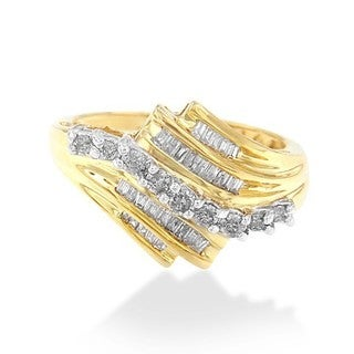 10k Yellow Gold 1/2ct TDW Round and Baguette Diamond-cut Ring (K-L,I2-I3)