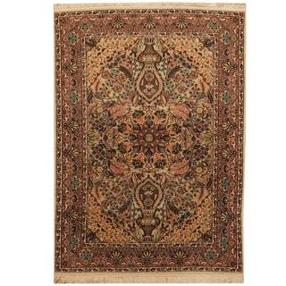 Herat Oriental Indo Hand-knotted Kashmiri Silk Rug (4' x 5'7)