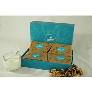 Blue Moose 1-pound Maple Walnut Gourmet Fudge (Gift Box)
