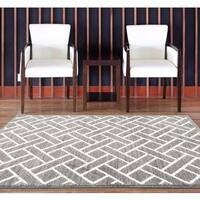 Persian Rugs Taksim Collection Squared Shapes Area Rug - 5'2 x 7'2