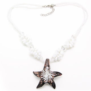 Handmade White Agate Italian White Flower Glass Star Pendant Necklace (Thailand)