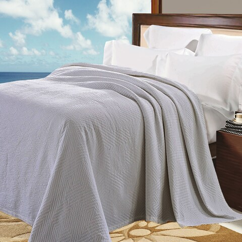 Natural Comfort Matelasse Blanket in Light Grey