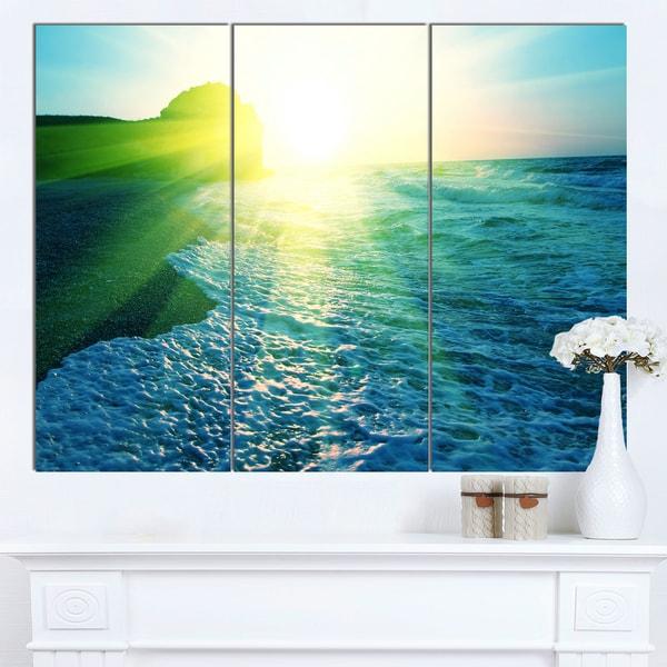 Designart 'Foaming Blue Waves' Seashore Canvas Art