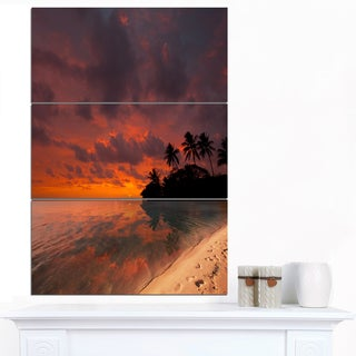 Designart 'Beautiful Sunset At Tropical Beach' Seashore Canvas Art Print
